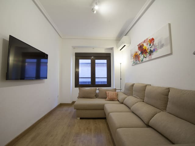 Gadea: Beautiful Central Apartment in the Best Area of the City
