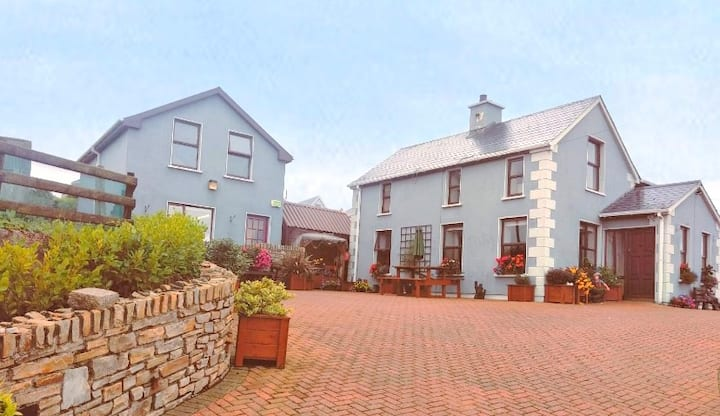 A home away from home at Glor na Dtonn, Downings