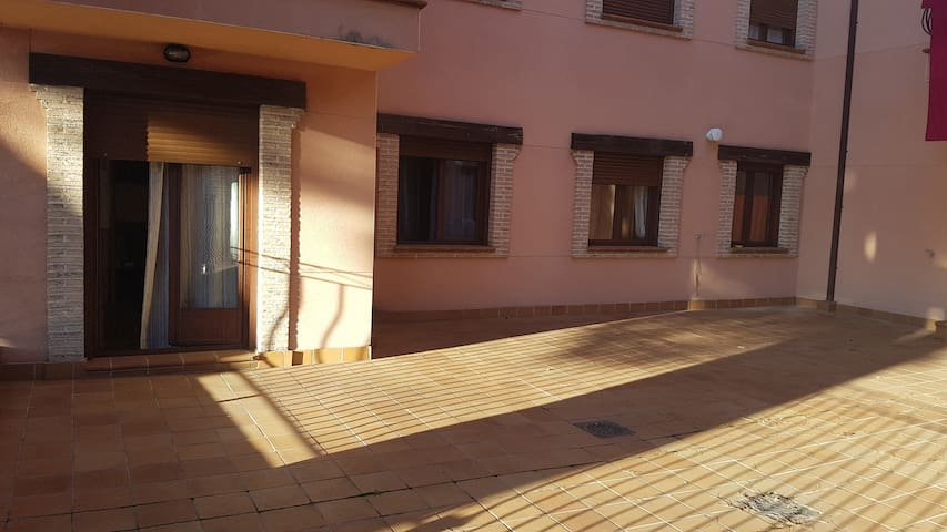 Apartamento y terraza. Arenas de San Pedro. Gredos