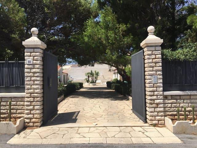 200sqm villa by the sea with outside barbecue