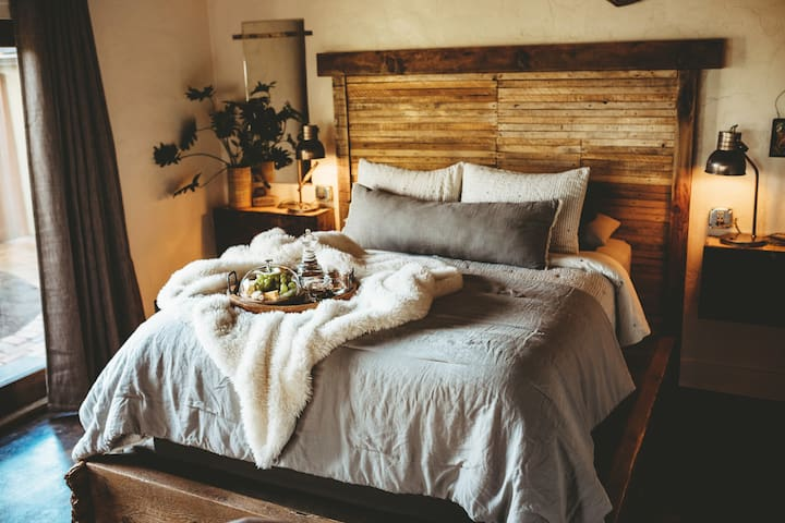Every piece of Organic linen, and bamboo bedding is washed in hot water and processed in an immaculatly clean laundry room... offered on a bed made entirely of reclaimed wood.    photo props @monicanycolephotography