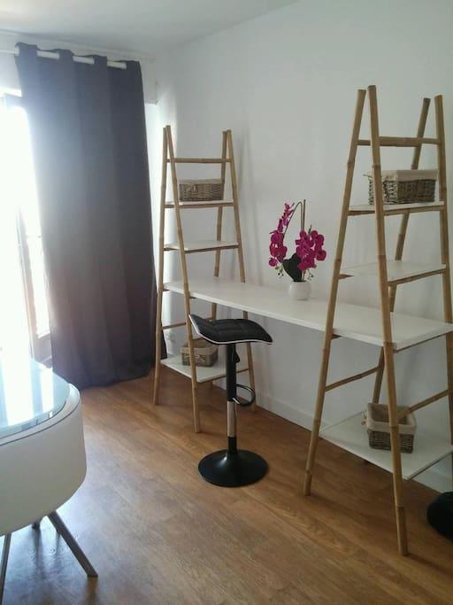 beau meubl tout quip 5mn hyper centre flats for. Black Bedroom Furniture Sets. Home Design Ideas