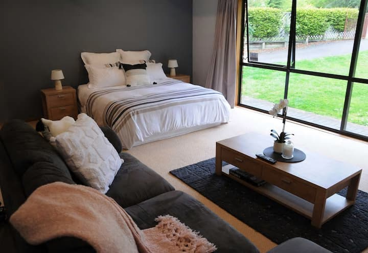 A 'Suite' Rotorua Retreat