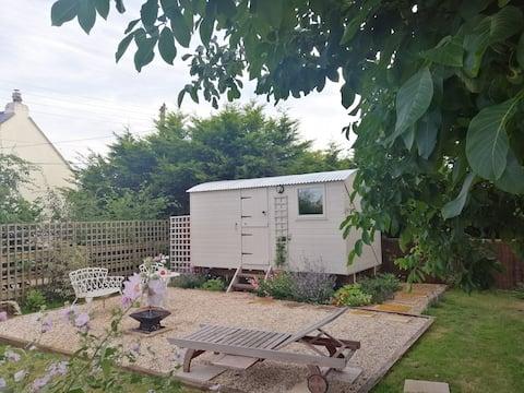 The hut at Gundenham