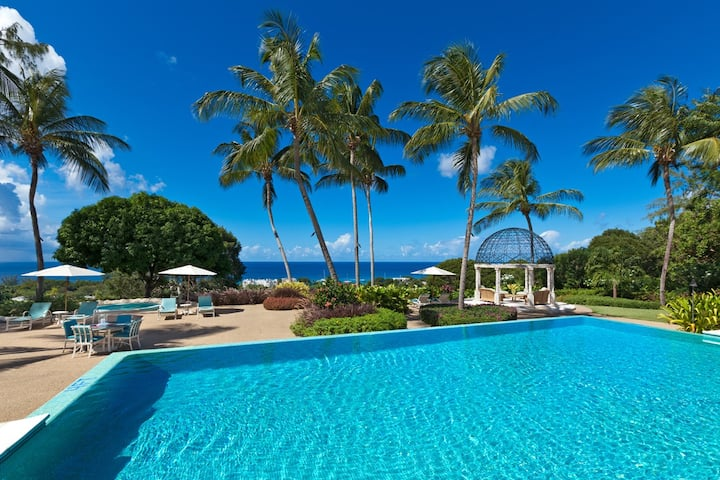 Stanford House - Luxury 5BR Villa with Ocean Views