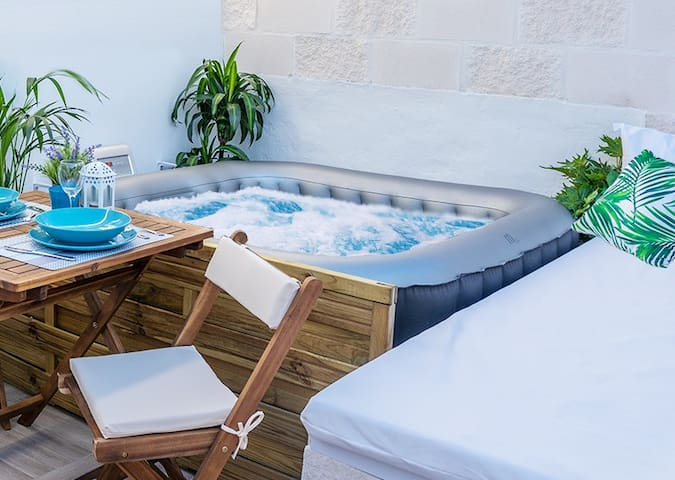 La Calita Escondida II - Terrace & Jacuzzi Private