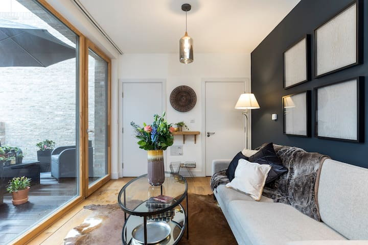 Modern & Designed 2 bed apt w/terrace Notting Hill