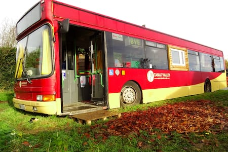 The Bus - Hindford