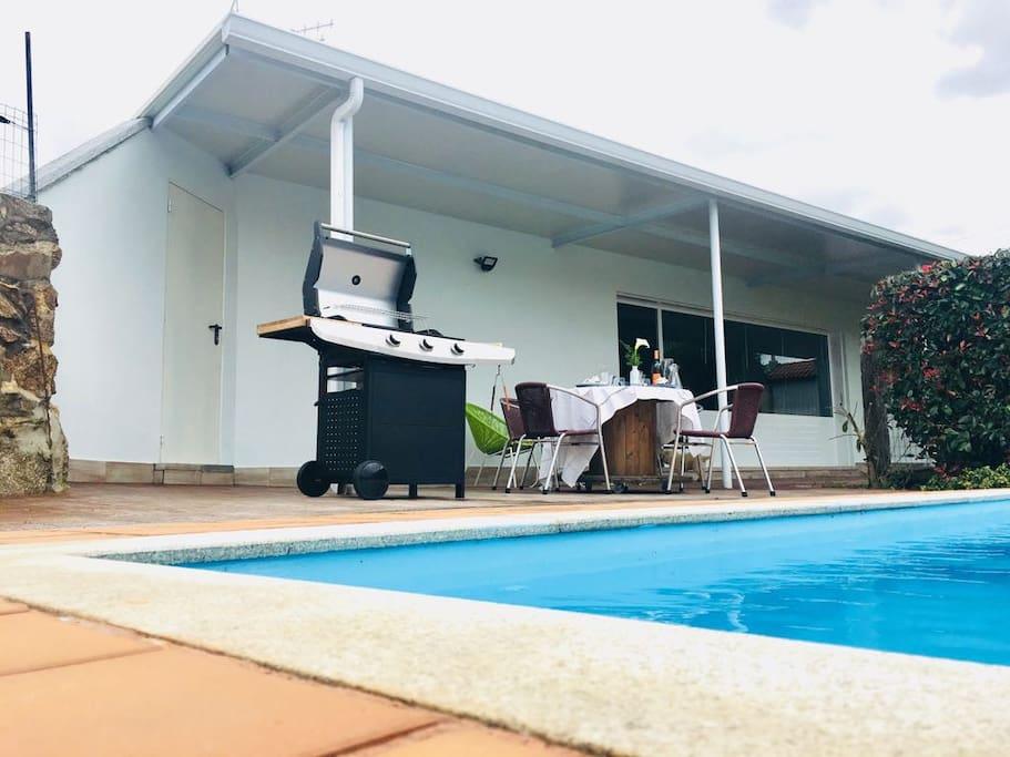 Exclusivo alojamiento con piscina g sthus att hyra i for Alojamiento con piscina