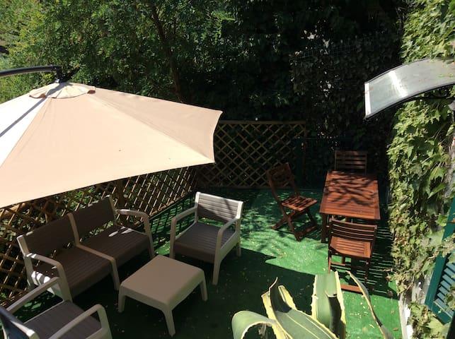 Petite villa, terrasse relax 30mc.,renové 2018