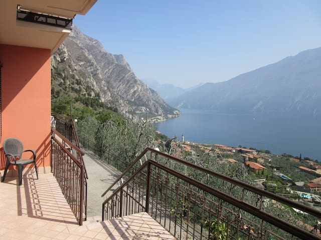 Apartment with sunny view in Limone sul Garda - Limone Sul Garda - Apartment