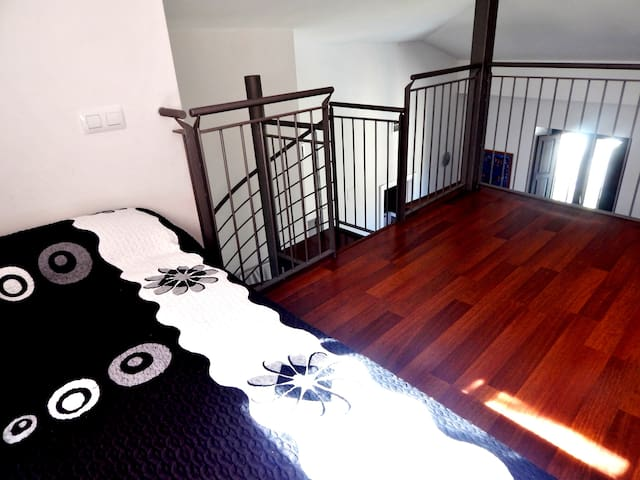 Beautiful holiday apartment in the Old Town Girona | optional parking