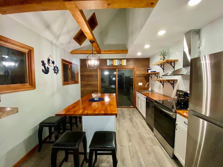 Lakehouse Cottage in Big Bear Ski Resort