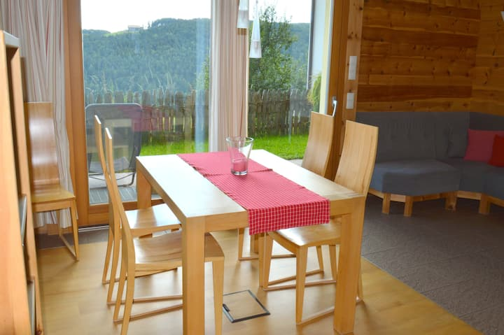 App. mit schönem Garten - Bio-Bauernhof Nähe Bozen