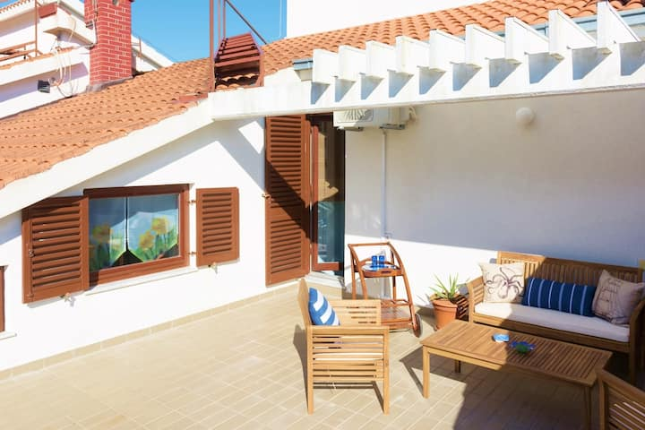 Dvori KLIS - Apartment 2 (large sunny terrace)