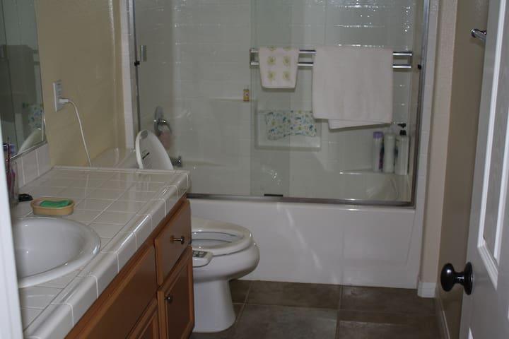제 2 욕실 다른방 욕실도 이와 같습니다