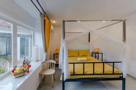 Phòng11-Krong Năng View Hồ Sen(HomeStayVườnPhápII)