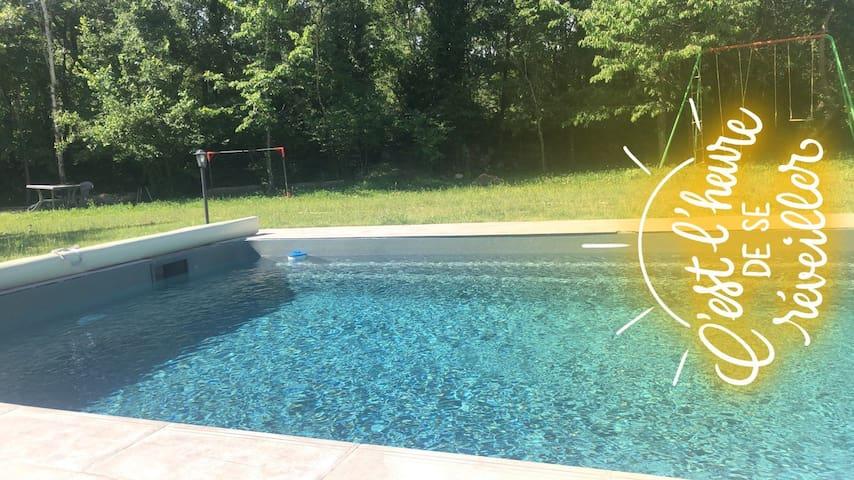 La maison du bonheur ,  jardin ,piscine chauffée .