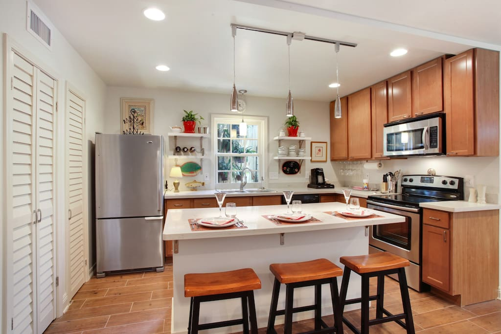 Open kitchen with island.