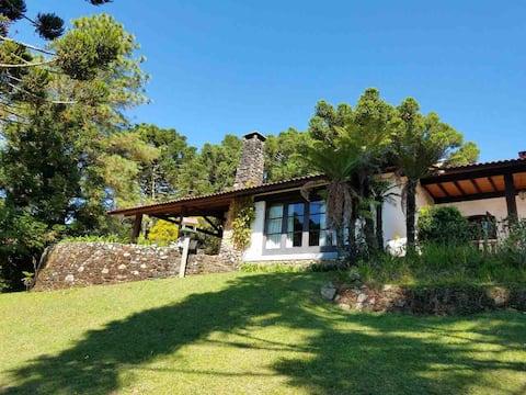 Monte Verde casa de montaña con hermosas vistas !