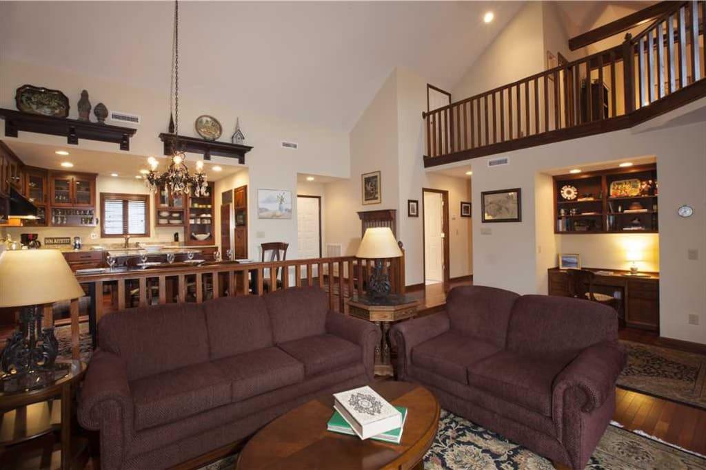 Sierras6 Livingroom2