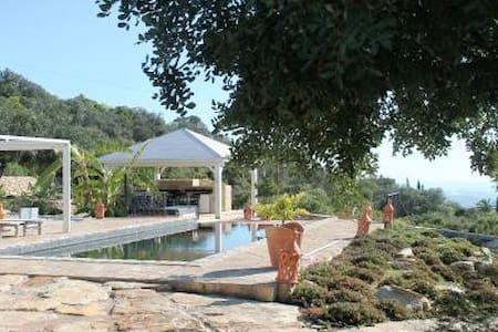 Villa Maya compleet familiehuis vakantiehuis - Corotelo - วิลล่า