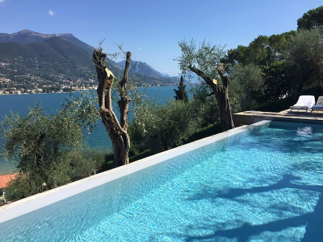 Villa Elisabeth with heated pool and lake view