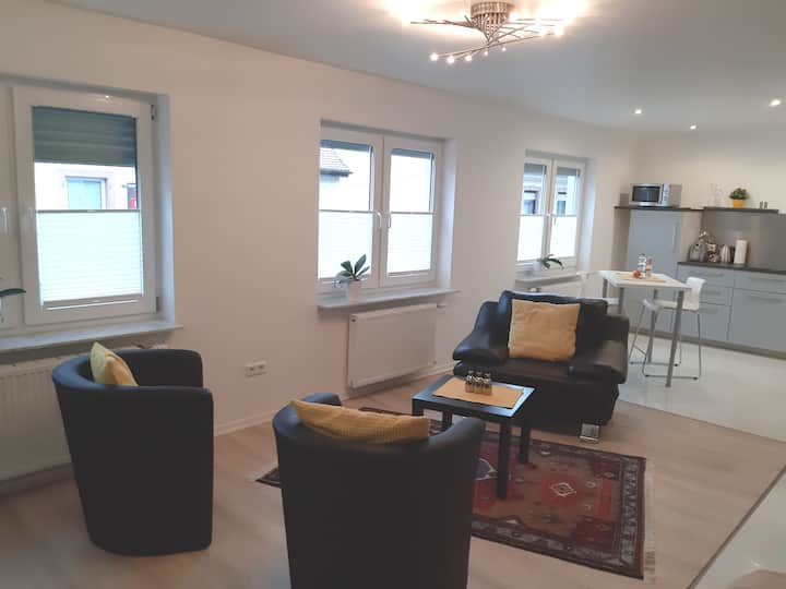 #11 TLA Apartment Landstuhl, 5 min to Base&Hospit