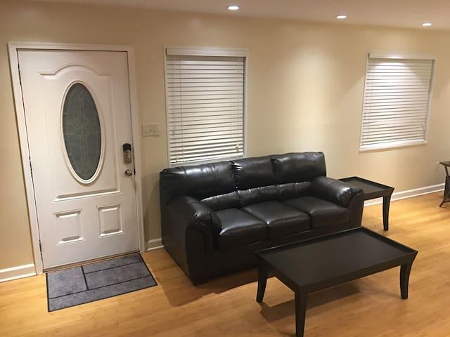 Private Master Room in Alexandria