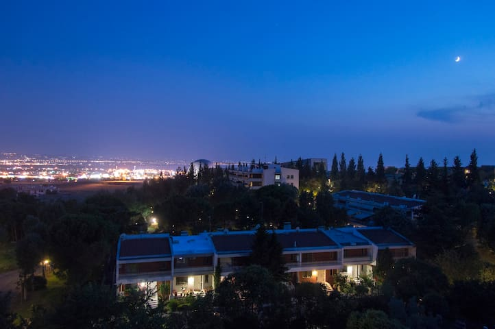 Private room in penthouse with a great vista - Thessaloniki - Flat