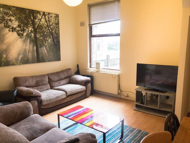 Large double room close to the City Centre
