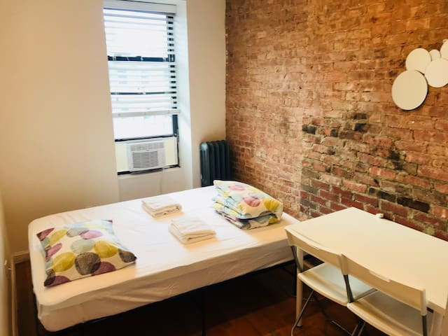 Private 4D Room in 4BR/2BA APT in Hell's Kitchen