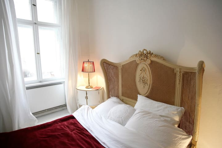 very central and charming room - Berlin - Apartment