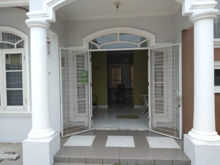 Orchid Villa, BSD City - Lodge 5