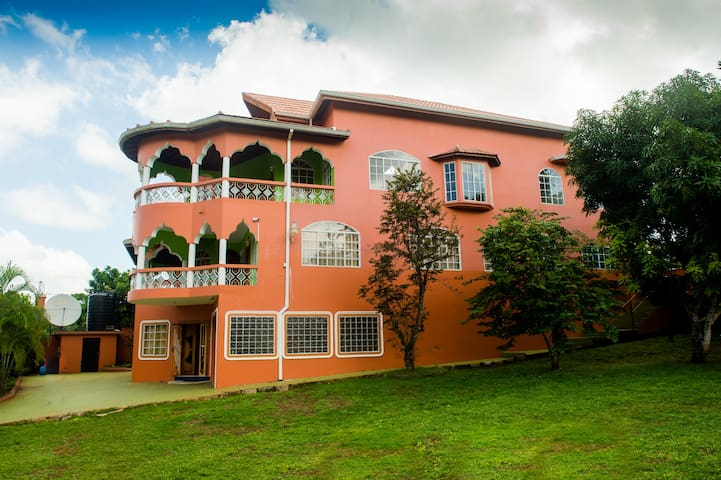 Star Fruit Heights Villa