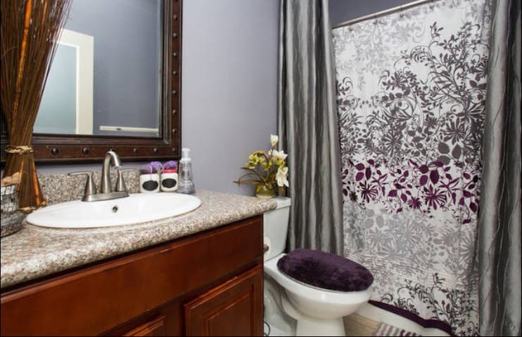 Royal Treme/ Marginy  Private Suite