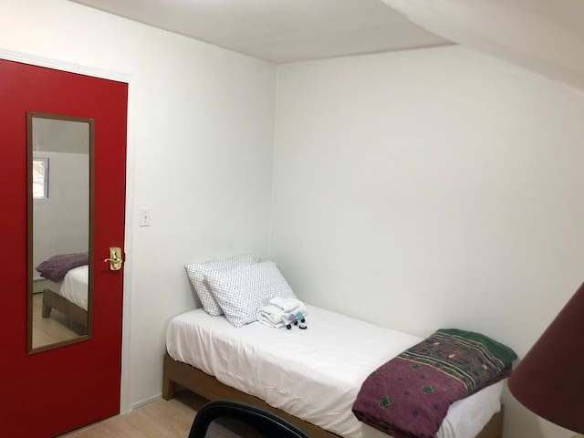 Small Private Room (Close to F & E train)