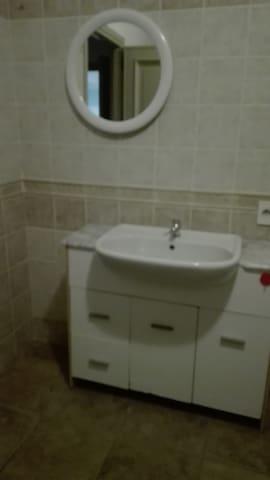 Casa di Elisa (entrata indipendente stanza bagno)