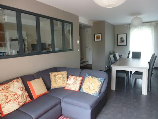 Maison avec terrasse,3 chambres - Louvigny - Ev