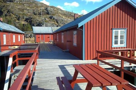 Rorbu på Tind i Lofoten - Cabaña