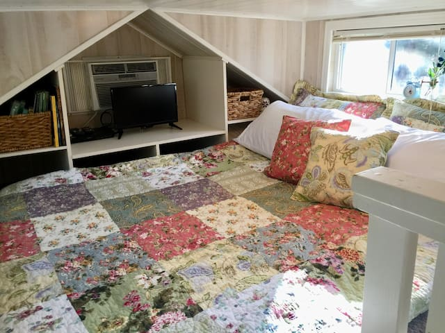 King sized gel memory foam floor mattress