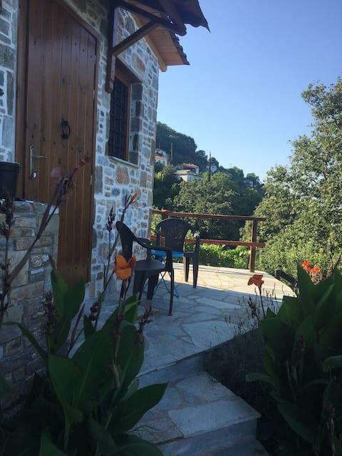 Charming studio  close to walking trail