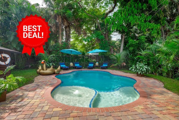 ⭐Rare⭐Heated Pool ⭐5 Min To Beach⭐Outdoor Grill