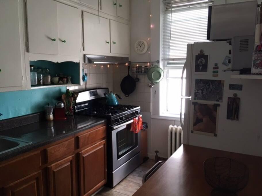 Kitchen (FYI - no dishwasher)