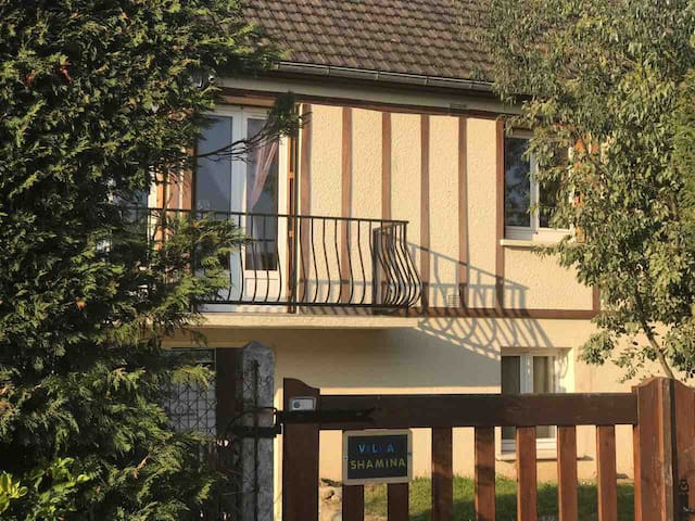 Proche Deauville-Villa-Piscine chauffée et Sauna