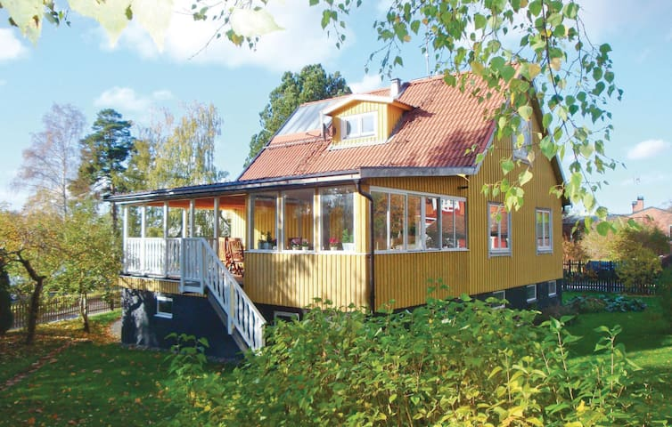 Holiday cottage with 3 bedrooms on 110m² in Spånga
