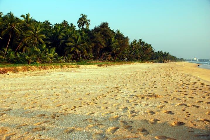 Sanam Beach House - Deluxe 2