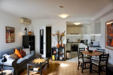 Newtown chic studio apartment