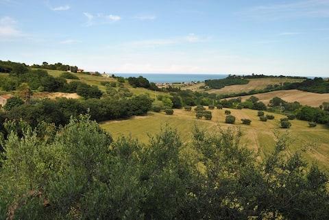 L'ORTO DEL MARINAIO_Apt.MARE_view of hill and sea