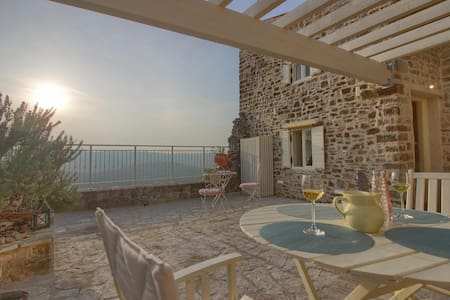 Casa ADORA - stone house with a spectacular view